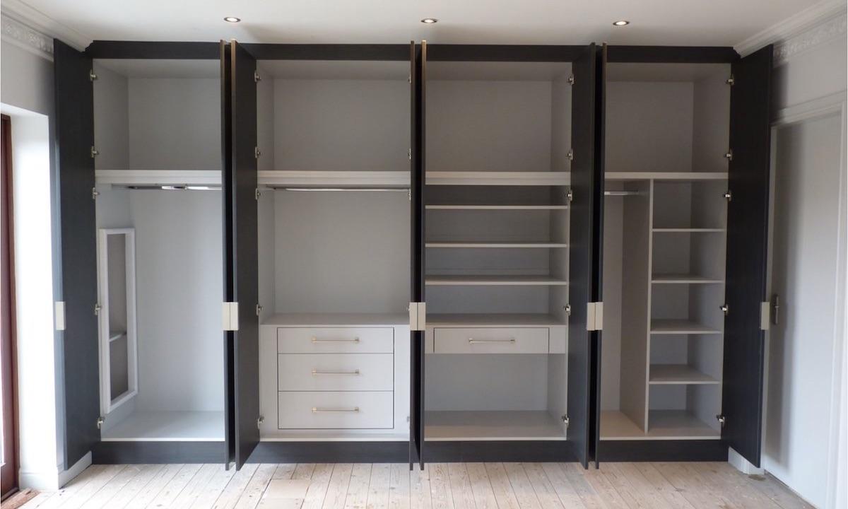 встроенные шкафы в стене фото так
